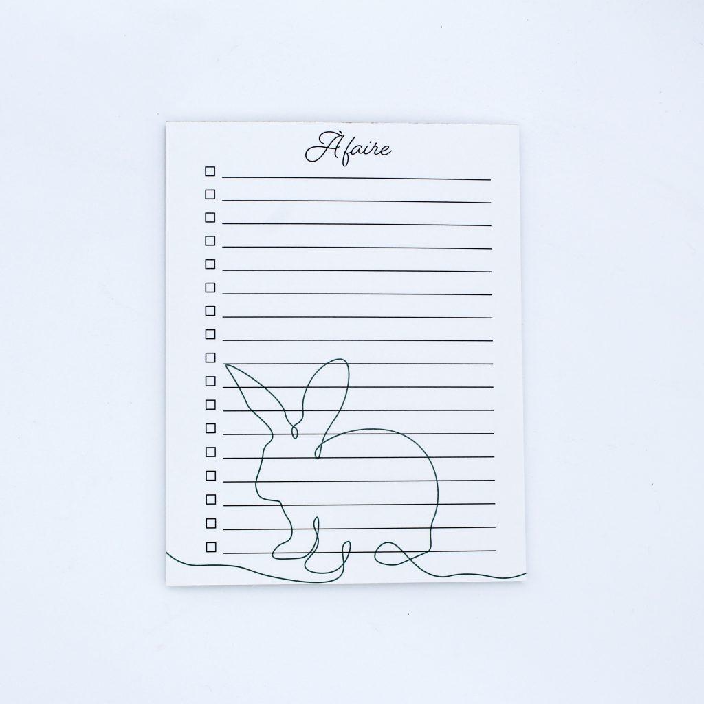 Bloc-notes à faire to-do list ligné avec illustration de lapin oneline